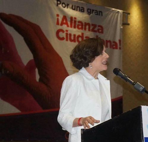 """Limpiar la casa: """"la corrupción y como combatirla"""", conferencia de Denise Dresser."""